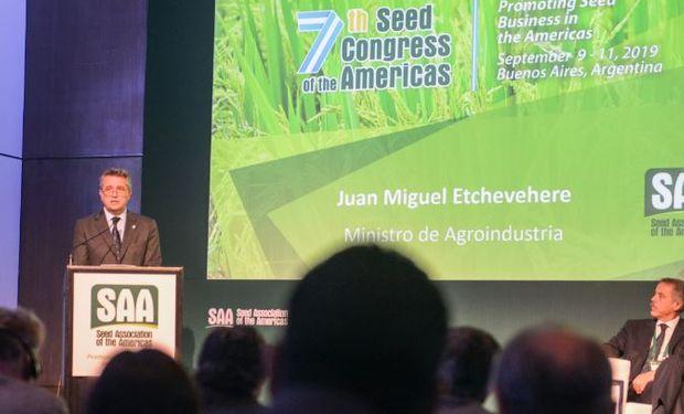 """""""Tenemos la firme posición de defender la biotecnología para alimentar al mundo"""", destacó el Ministro de Agricultura, Ganadería y Pesca."""