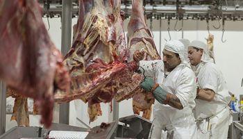 Frigoríficos van a la Justicia para saltar la barrera a las exportaciones de carne