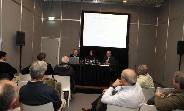 El Senasa brindó una conferencia en La Rural.