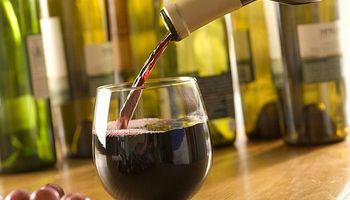 Vinos genéricos deben contener un 85% de uvas tintas