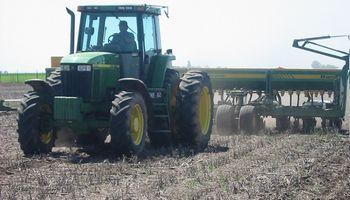 Santa Fe: maíz de primera en pleno proceso de siembra y con buen ritmo