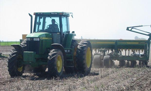 Las condiciones del clima complican la siembra de maíz en territorio norteamericano.