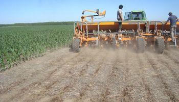 Santa Fe: puso primera el movimiento de equipos y sembradoras
