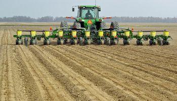 En Estados Unidos se sembró un 27 % del maíz de la nueva campaña