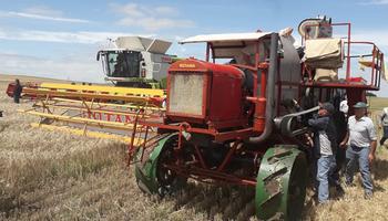 Rotania: así fue la puesta en marcha de la primer cosechadora autopropulsada del mundo