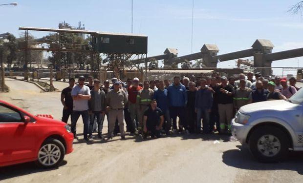 """El Sindicato de Aceiteros va al paro por un """"bono pandemia"""": siete puertos afectados por la medida de fuerza"""