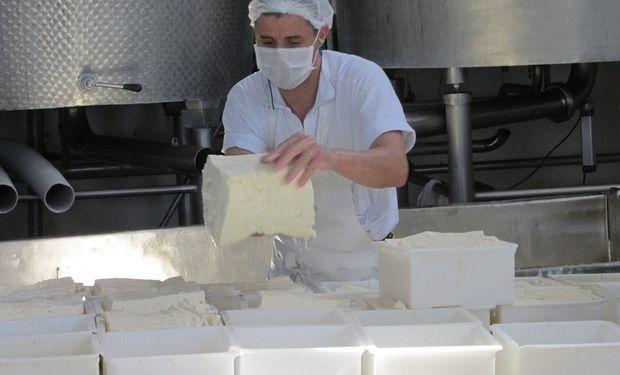 Las industrias lácteas vienen enfrentando un escenario muy complicado durante los últimos años.