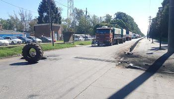 Buyatti: trabajadores denuncian incumplimiento de la empresa y reanudaron el bloqueo a los puertos