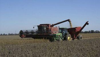 La cosecha de soja de primera avanzó un 40% y presenta gran cantidad de granos verdes