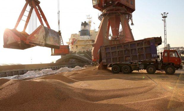 Circularon rumores de que importadores chinos sondearon precios de soja norteamericana con la idea de comenzar a cerrar acuerdos de importación.