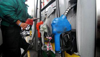 Vuelven a subir los combustibles un 6 por ciento