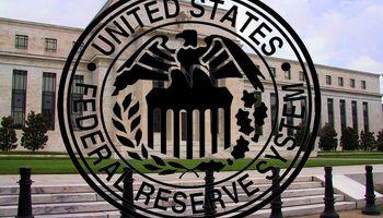 La Fed advierte que no revertirá las alzas de tasas pese a los riesgos