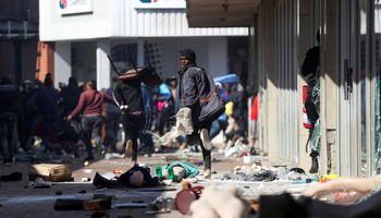 Sudáfrica enfrenta la peor ola de violencia en años