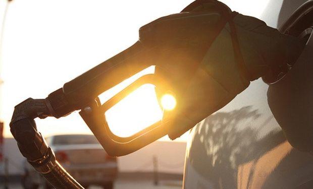 La nafta subió más del 30% este año y la premium ya se acerca a los $ 10 el litro