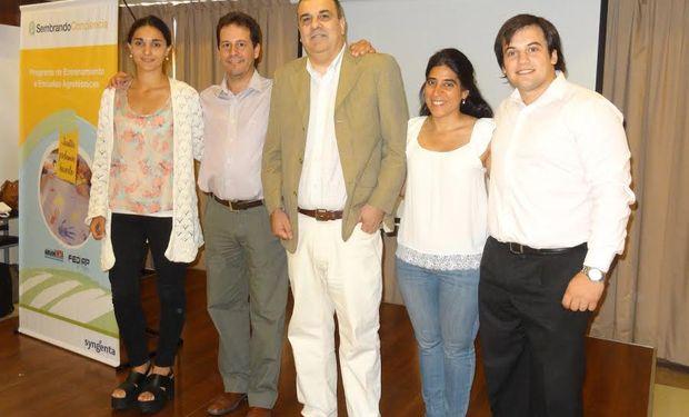Representantes de la Federación de Institutos Agrogécnicos Privados (FeDIAP), Syngenta y la Fundación ArgenINTA.