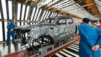 Un nuevo modelo llegó al segmento pick ups: Alaskan comenzó su producción en serie en Córdoba