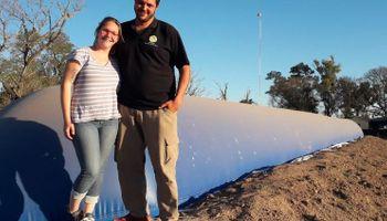 La familia Alquatti es la primera en instalar un biodigestor nacional en un tambo