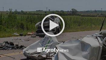 Violento accidente y milagro: su camioneta se partió al medio y se bajó caminando