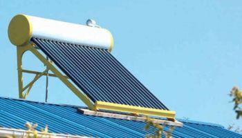 Estudiantes santafesinos construyeron un termotanque solar y lo donaron