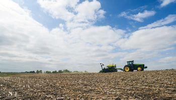 La soja cae en Chicago frente a una mejora en las condiciones de siembra