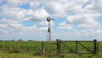 Crece el malestar por el aumento de impuestos al agro santafesino