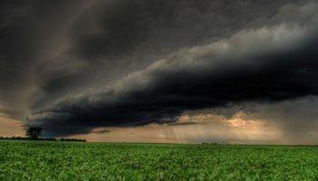 Emiten alerta por tormentas fuertes y ocasional caída de granizo