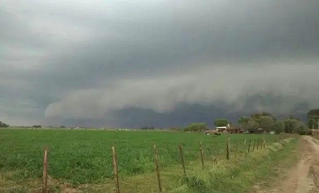 El Servicio Meteorológico Nacional emitió dos alertas por tormentas intensas