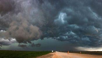 Sin tregua: 7 provincias siguen bajo alerta por fuertes tormentas
