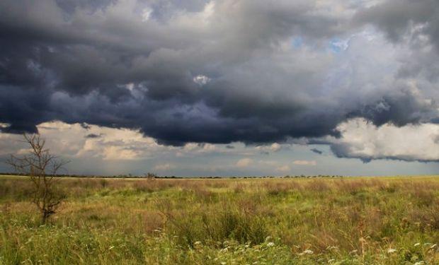 Alertan que se producirán cortas e intensas rachas de tormentas.