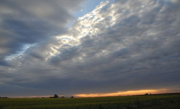 Para mañana, anticipan el desarrollo de lluvias y tormentas de variada intensidad