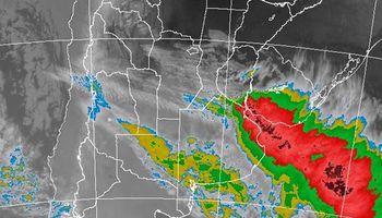 Alerta por tormentas fuertes sobre regiones del centro