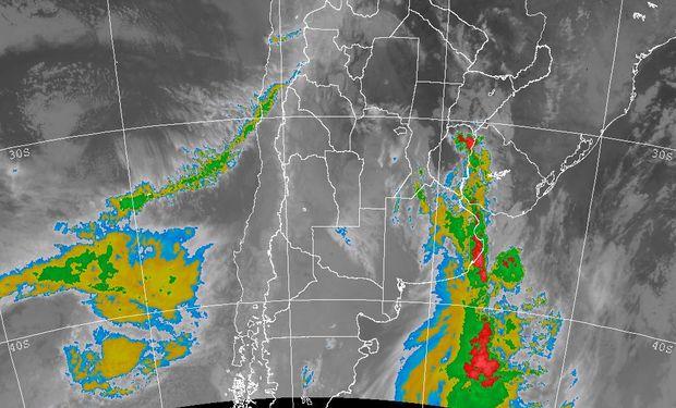 Se espera que con el transcurso del día las lluvias se consoliden en el este con una mejora lenta y un corrimiento hacia el este entrerriano, Uruguay y luego el centro norte de la Mesopotamia y el este del NEA.