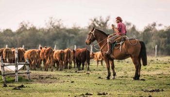 El campo pagará un bono de $ 2000 a los peones rurales
