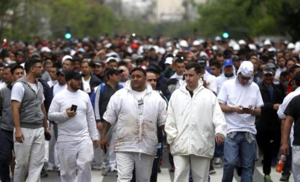Los empleados se manifestaron ayer frente al Ministerio de Agroindustria. Foto: LA NACION / Emiliano Lasalvia