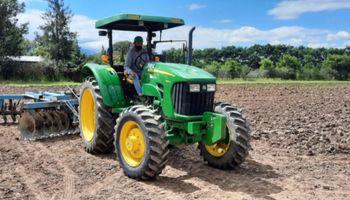 Covid: piden que se avance con la vacunación de trabajadores rurales y productores