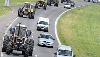 Productores autoconvocados se movilizaron en Rosario: las imágenes del tractorazo