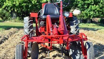 Estados Unidos vuelve a producir en Cuba y el afortunado es un tractor