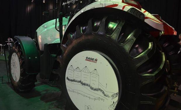 La imaginación y las curvas se apoderaron de un tractor.