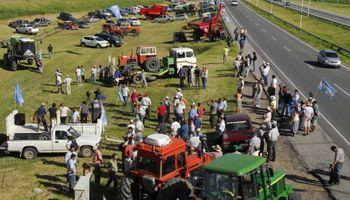 Mientras la Mesa de Enlace define si va al paro, los productores autoconvocados salen a las rutas
