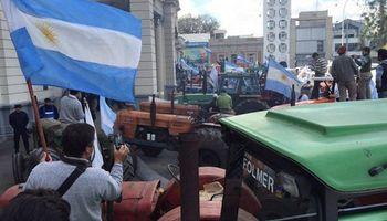 Tractorazo en Paraná: momentos de tensión frente a la Casa Gris