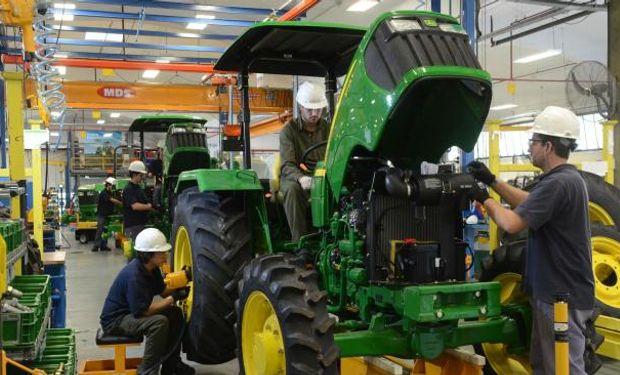Los tractores aplicaron la reversa. (La Voz).