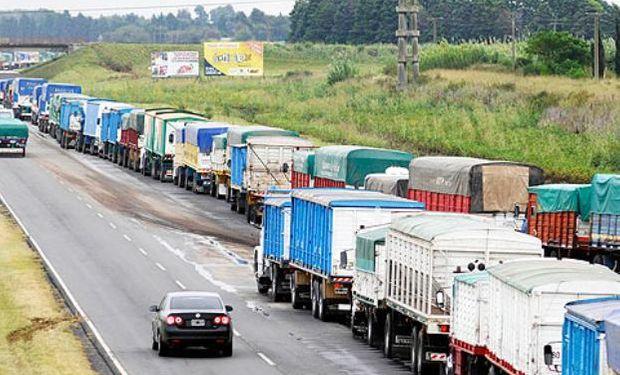 Argentina retrocede en los rankings de logística