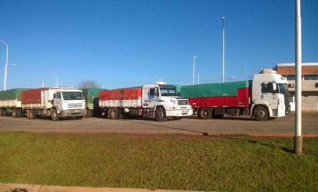 Autorizan suba del 23% en transporte de granos.