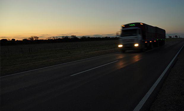 """Antes de la segunda ola: piden que los conductores de camiones sean """"personal estratégico"""" y reciban vacuna por Covid-19"""