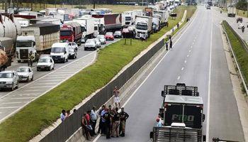 Camioneros vuelven a parar en Brasil ante la falta de acuerdo