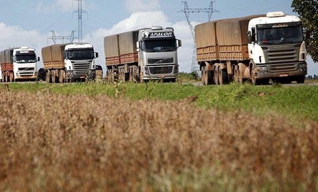 Un informe analizó los costos del transporte de cargas.