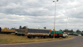 Transportistas de cereales chaqueños reclaman una tarifa referencial