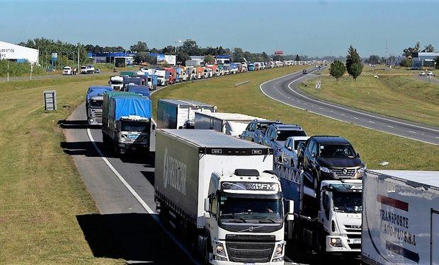 Santa Fe garantizará la libre circulación del transporte de carga a través de la Policía