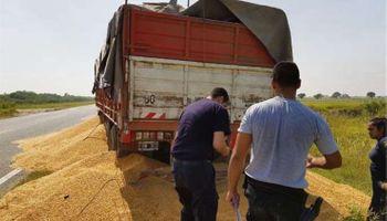 Transportistas de granos autoconvocados regresan al paro el lunes