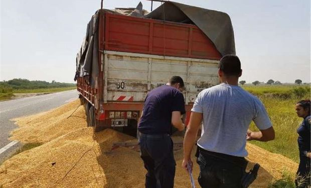 Regresa el paro de transportistas de granos.